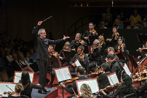 Mostly Mozart Festival Orchestra; Louis Langrée, conductor